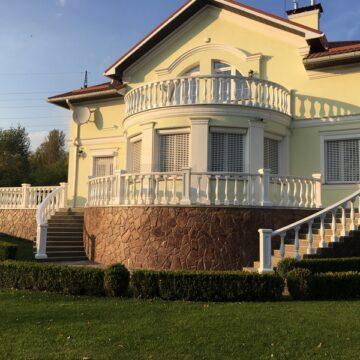 Балясины и перила для дома на балкон