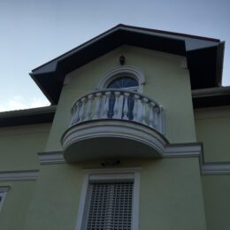 balyasiny balyustrada foto varianty katalog na balkon terrasu katalog ukraina i040