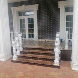 Ballysinu dlya balkonov terras s ustanovkou pod kluz005