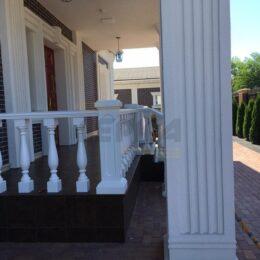 Ballysinu dlya balkonov terras s ustanovkou pod kluz010