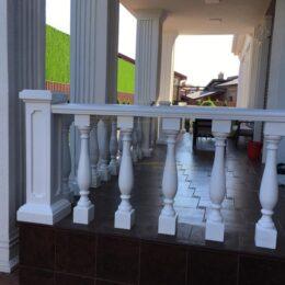 Ballysinu dlya balkonov terras s ustanovkou pod kluz014