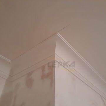 Карниз из гипса на потолке фото наружного угла