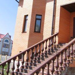 Балясины На Лестнице При Входе